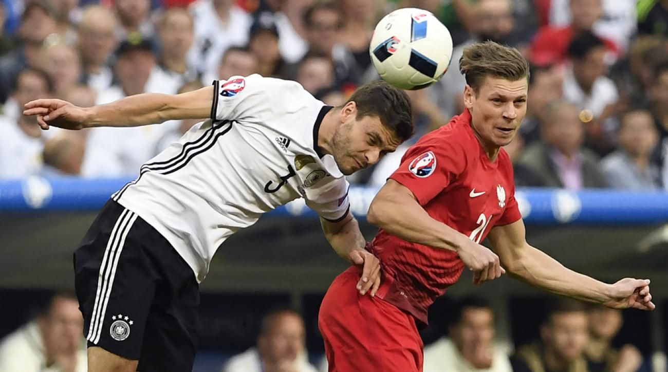 Poland, Germany play to a scoreless draw at Euro 2016