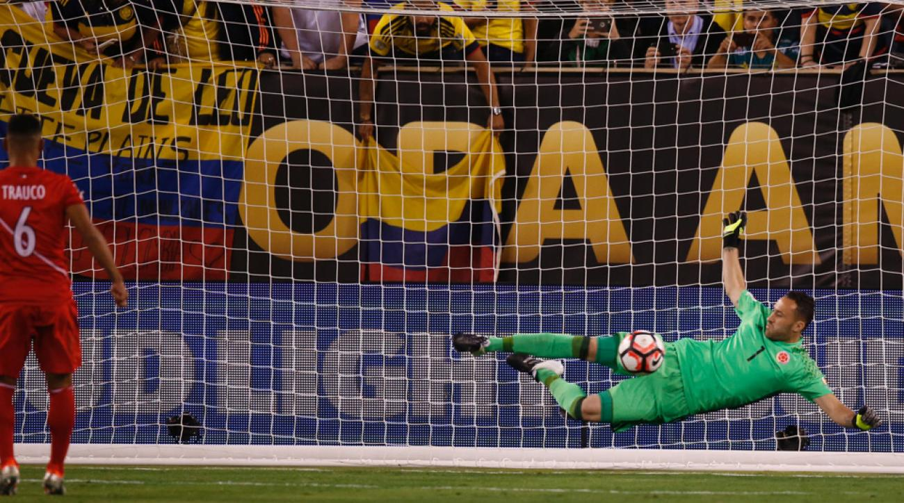 David Ospina makes the PK save for Colombia vs. Peru