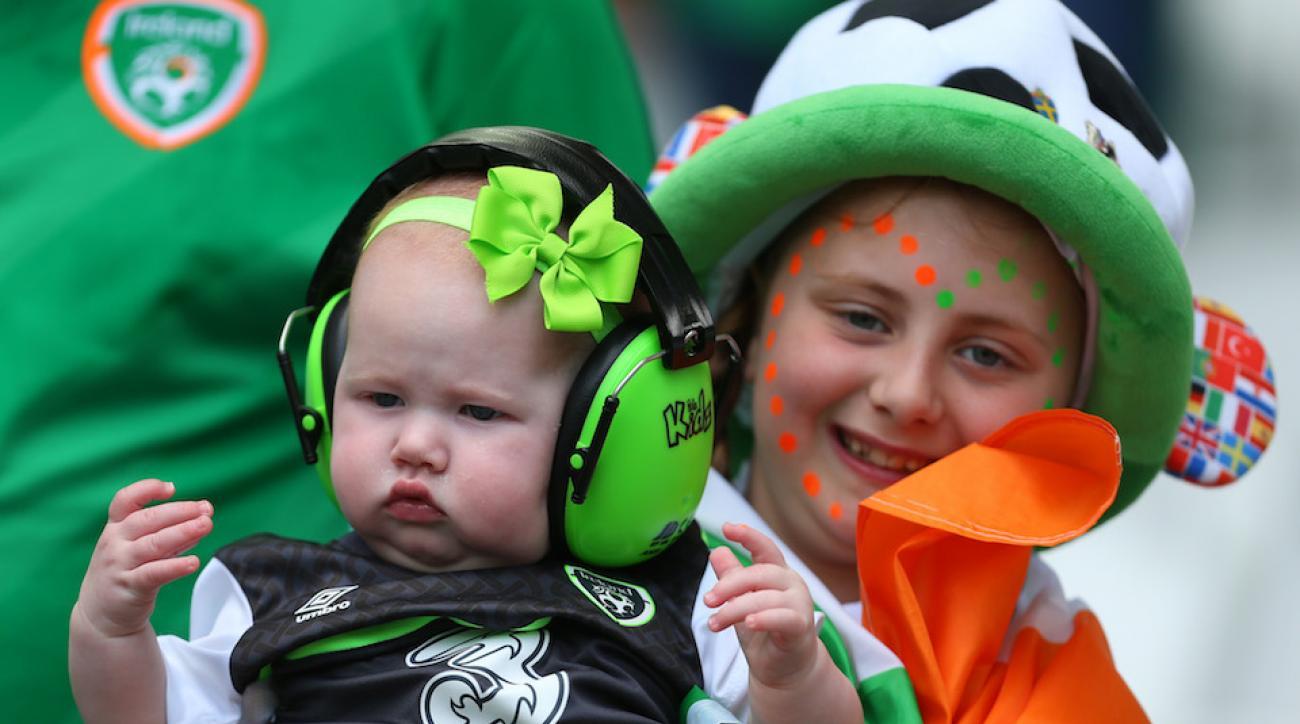 irish fans sing lullaby video