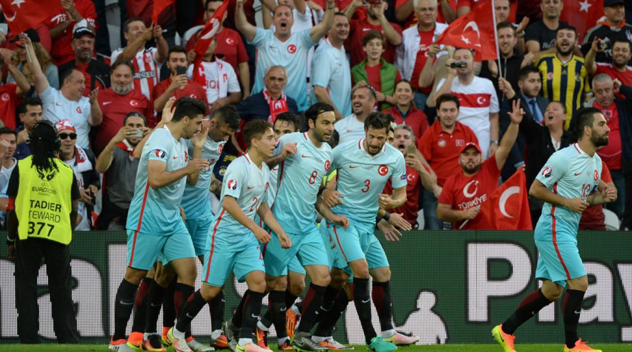Turkey beats Czech Republic to finish third in Group D