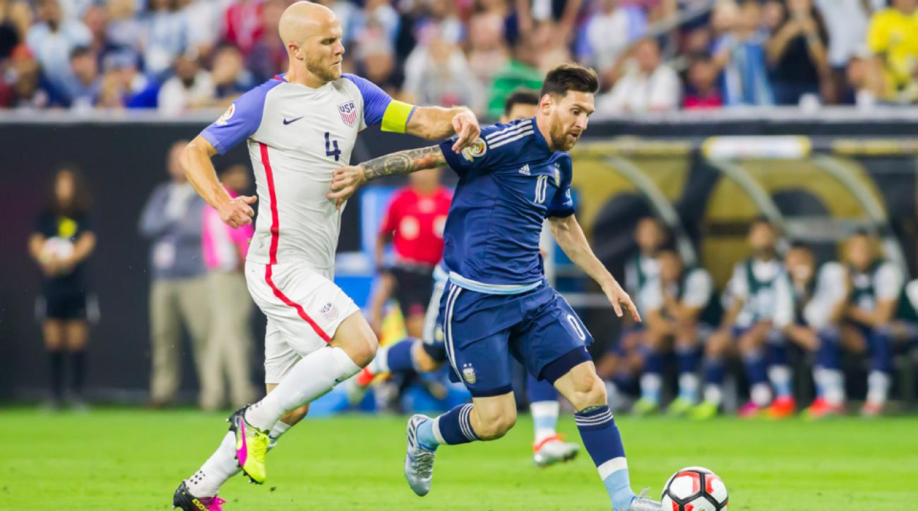 Michael Bradley chases Lionel Messi in the Copa America semifinals