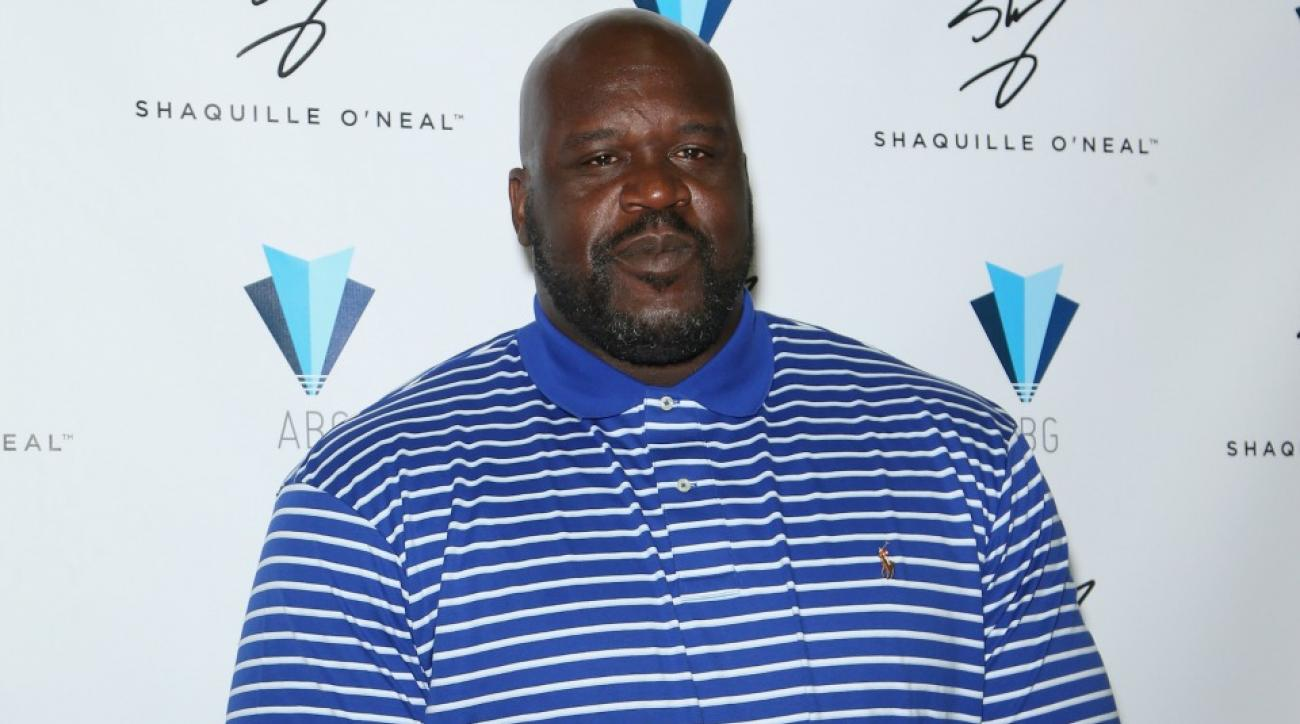 Shaquille O'Neal caught a fan trying to sneak a cell phone picture of him