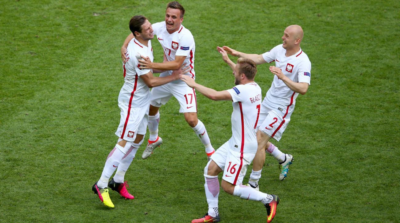 Poland beats Switzerland on penalty kicks to advance to the Euro 2016 quarterfinals