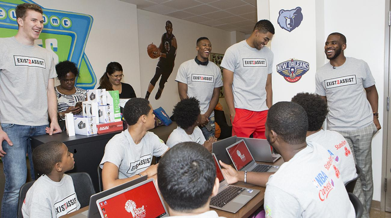 nyc assist unveiling chris paul jakob poeltl kris dunn karl-anthony towns