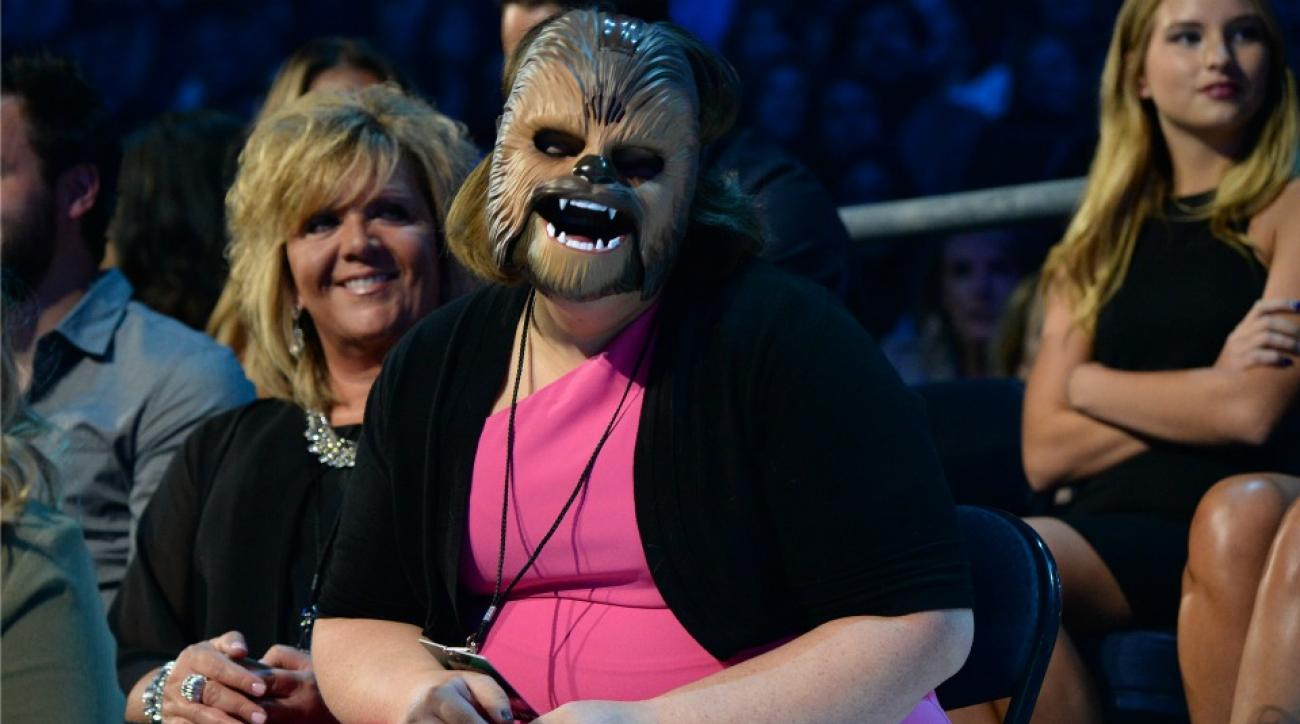 Chewbacca Mom sang the national anthem at an Astros game