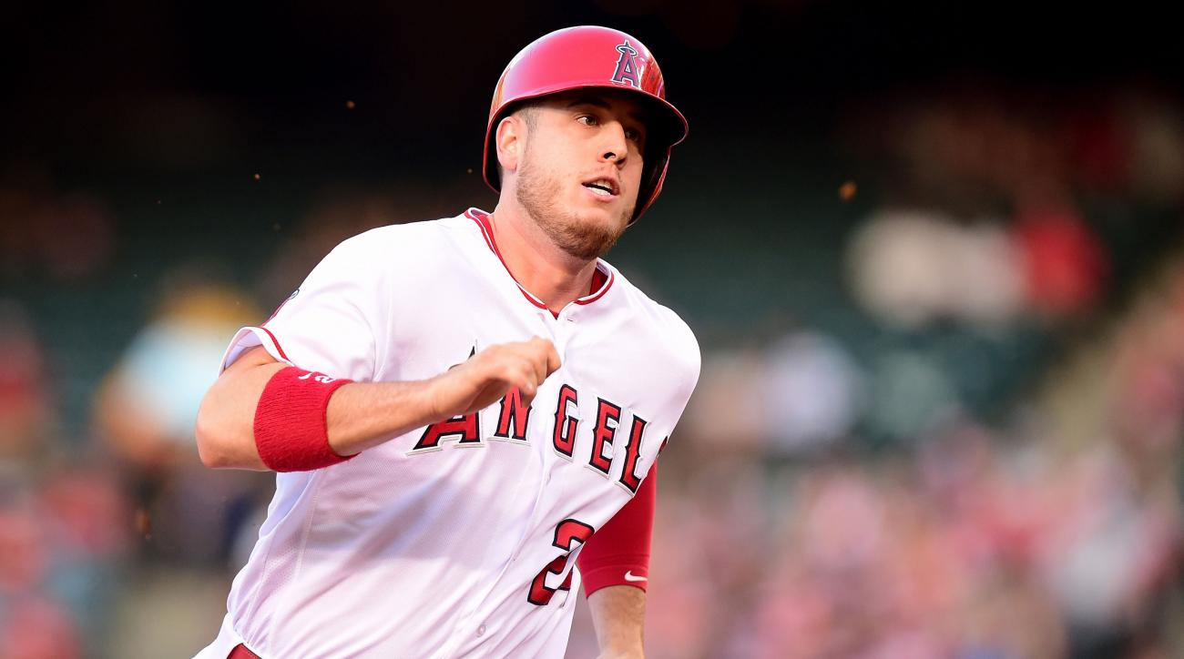 cj cron angels broken hand injury