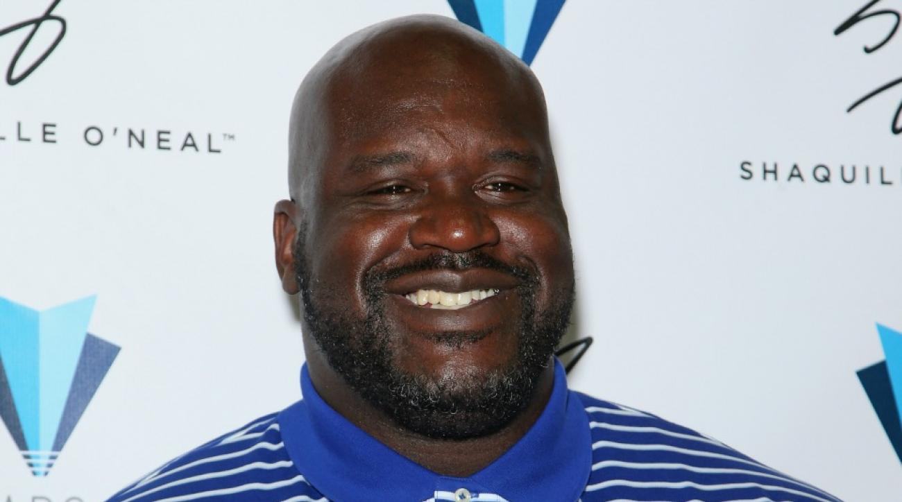 Shaquille O'Neal got a giant custom bed made