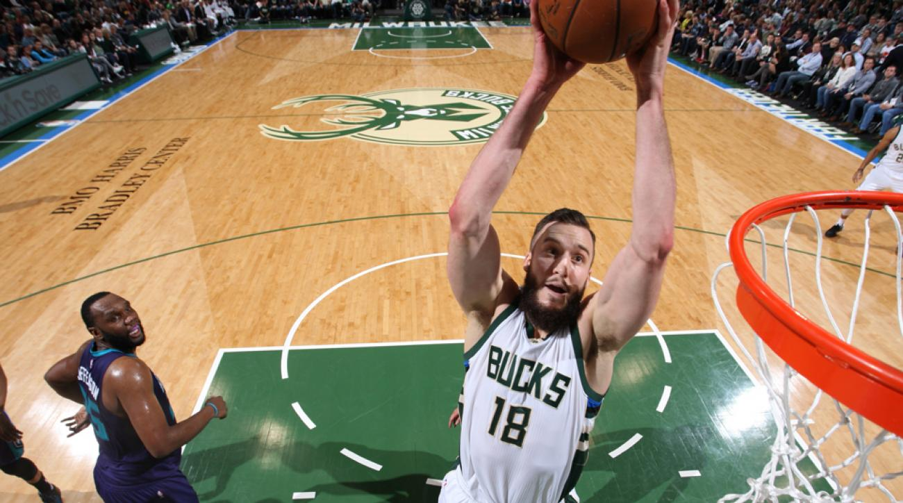 miles plumlee contract bucks