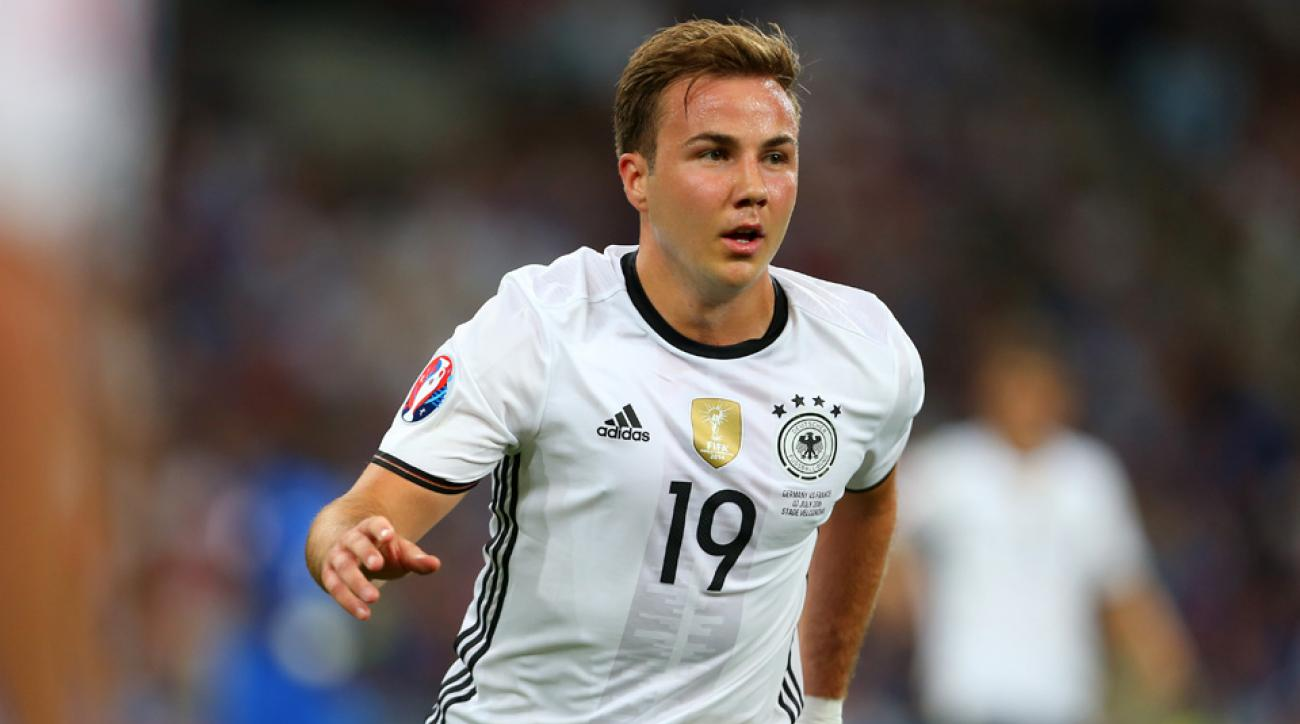 mario gotze borussia dortmund bayern munich contract signs