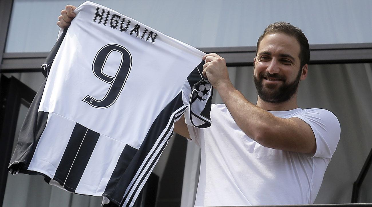 Gonzalo Higuain joins Juventus in a lucrative transfer