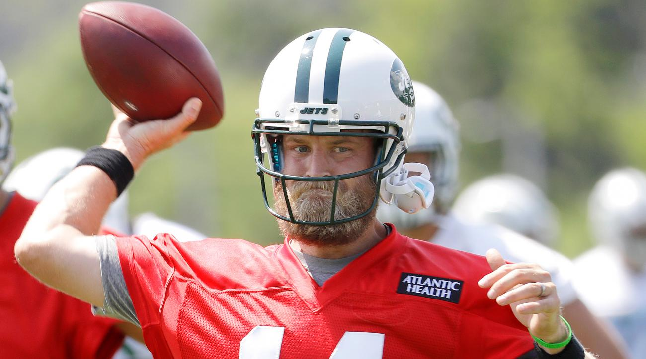 Ryan Fitzpatrick brings stability to Jets' training camp