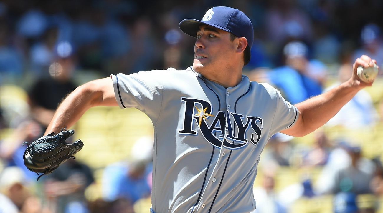 Giants' Matt Moore found out he was traded while throwing a football around