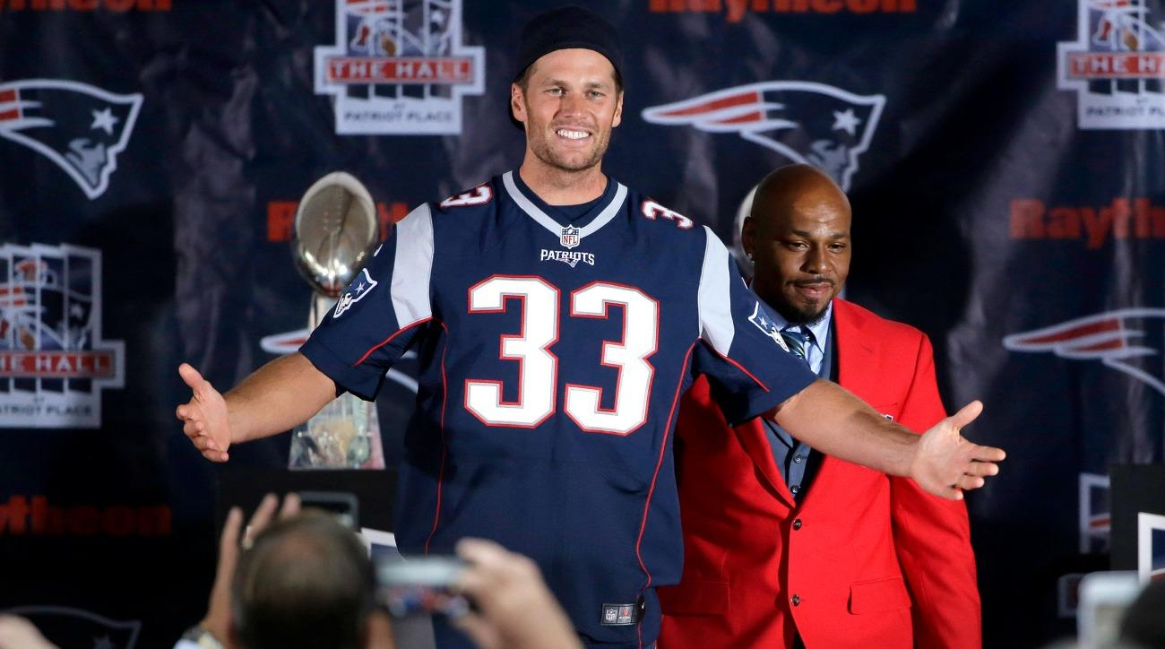 Tom Brady wore a Kevin Faulk Jersey to Faulk's Hall of Fame induction