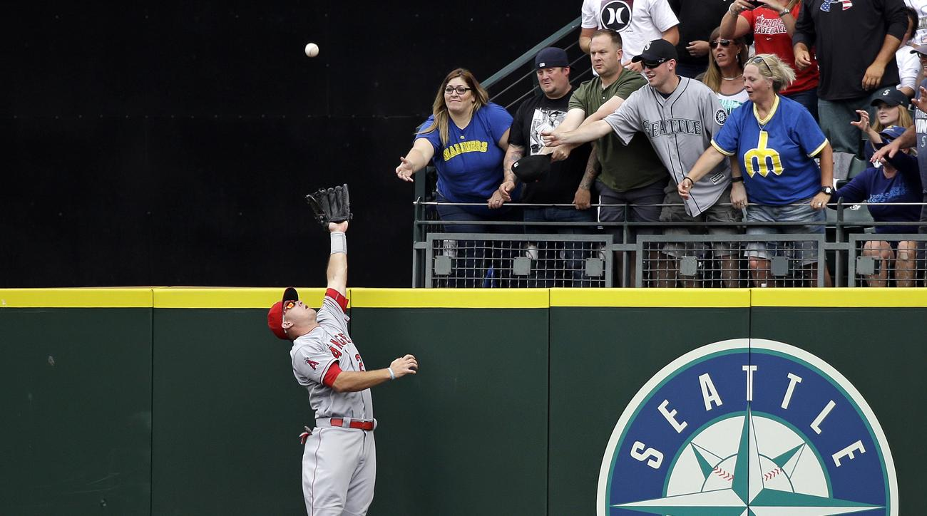 mike trout home run rob