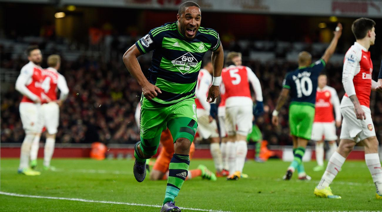 Ashley Williams leaves Swansea City for Everton