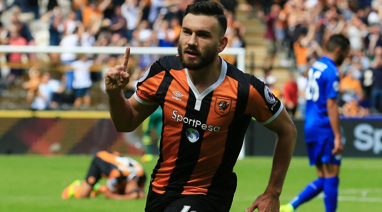 Robert Snodgrass scores a go-ahead goal for Hull City against Leicester City