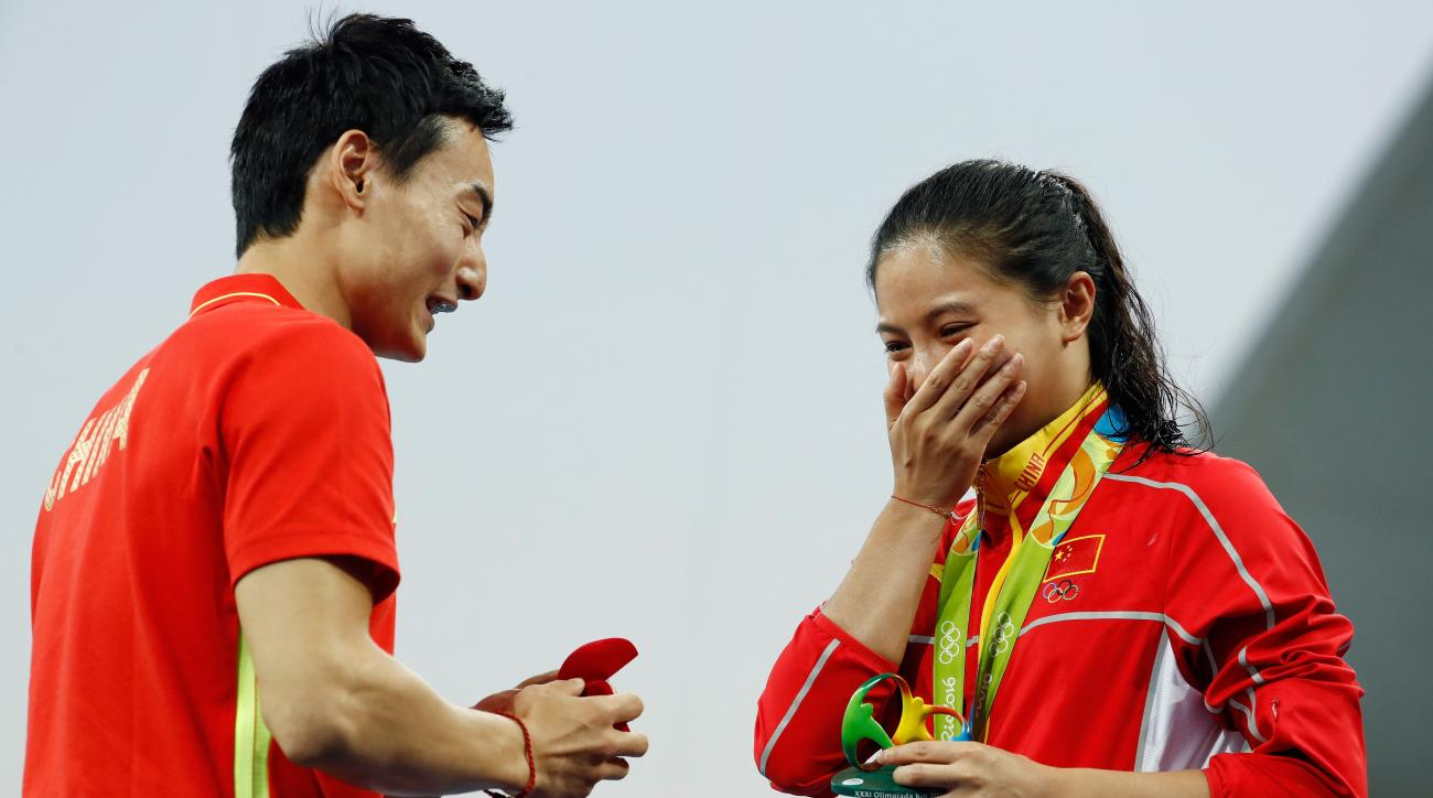 rio 2016 he zi china diver engaged video