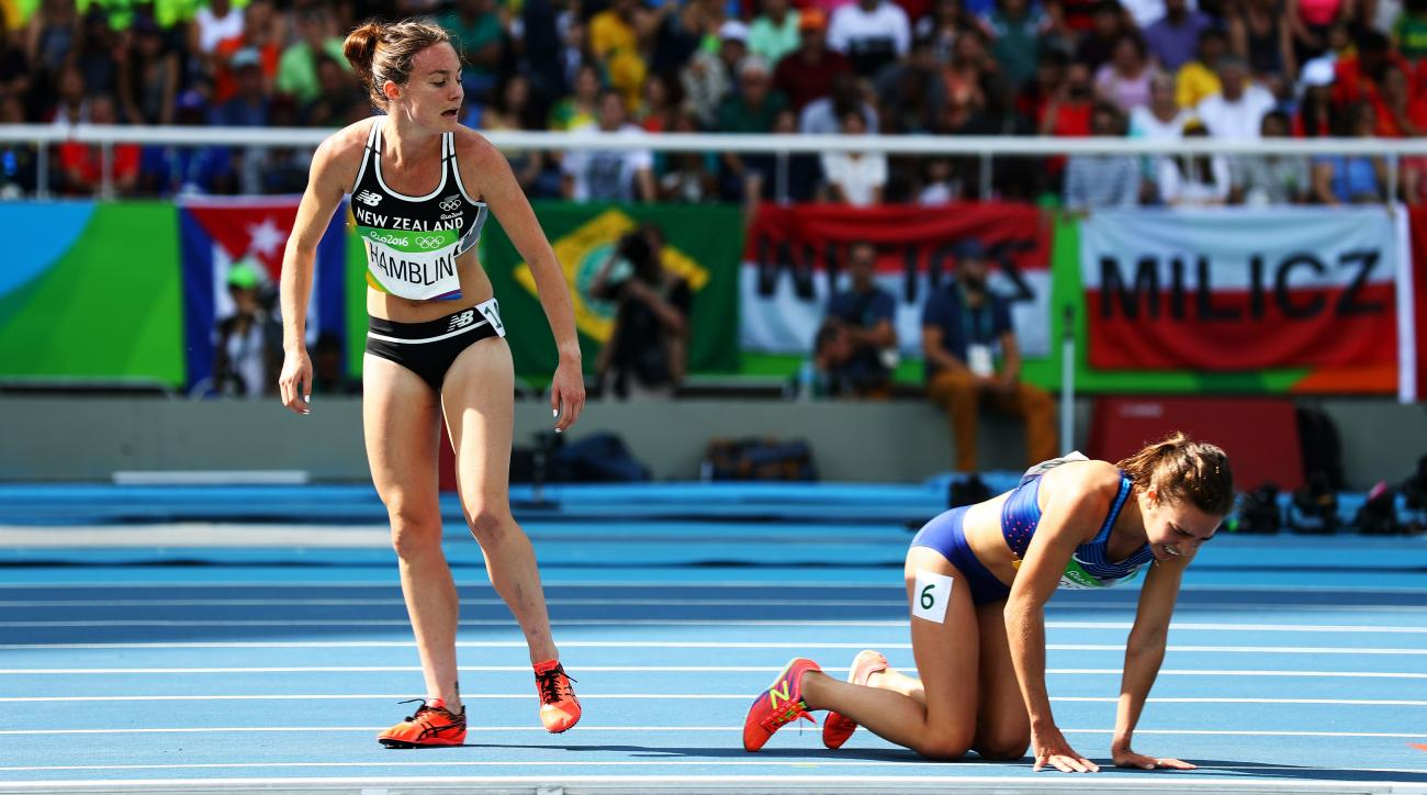 rio 2016 abbey dagostino nikki hamblin fall help 5000m