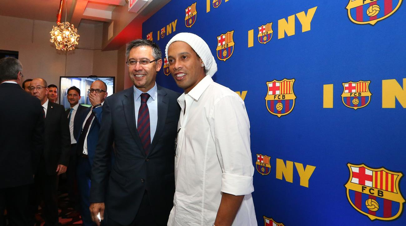 FC Barcelona president Josep Maria Bartomeu and Ronaldinho help open the club's New York offices