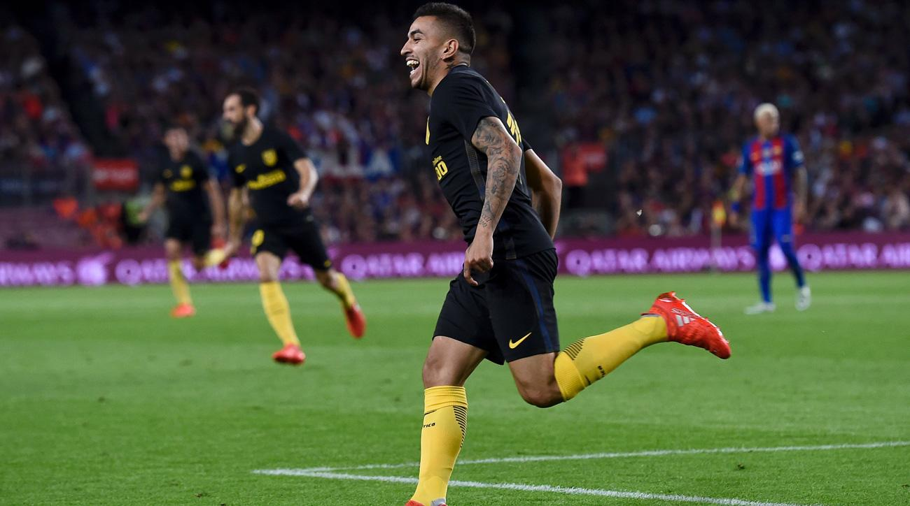 Angel Correa scores the equalizer for Atletico Madrid in a 1-1 draw vs. Barcelona