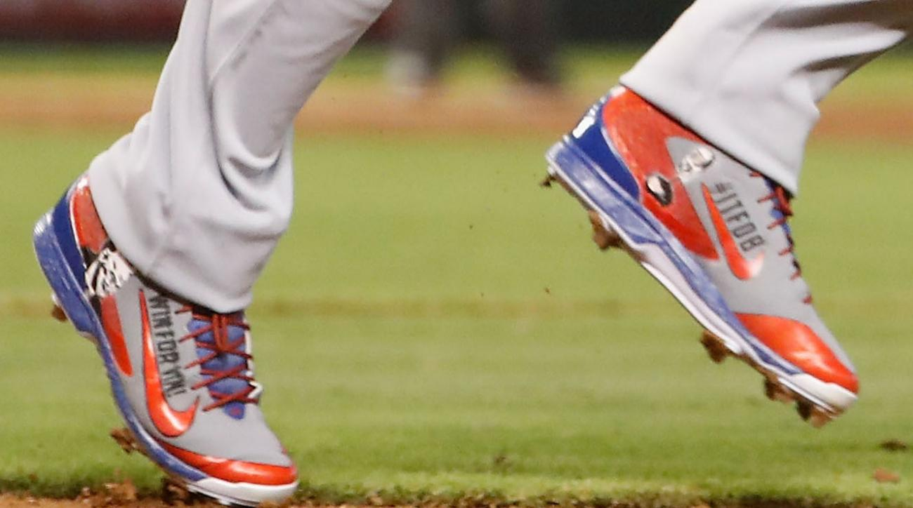 dodgers yasiel puig vin scully cleats gift
