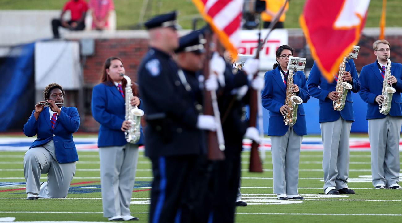 smu band protest national anthem