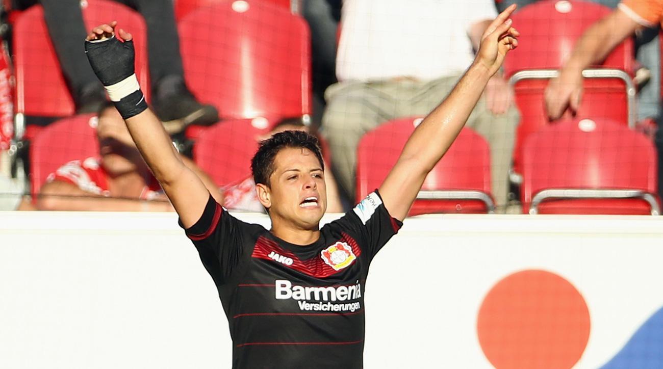 Chicharito scores a hat trick for Bayer Leverkusen vs. Mainz