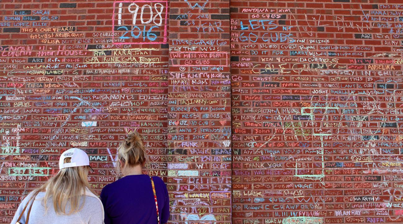 108 YEAR OLD CUBS FAN DIES