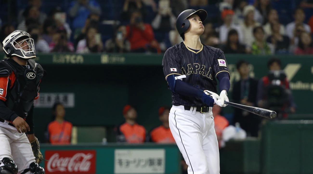 Japan baseball: Shohei Otani hits ball into roof (video)