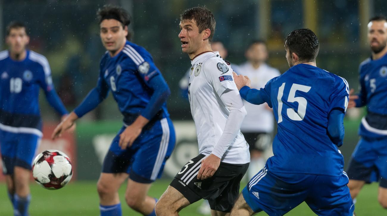 Germany-San Marino: Thomas Muller mocked for socks, sandals