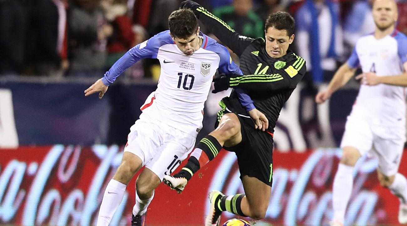 Christian Pulisic takes on Chicharito in USA vs Mexico