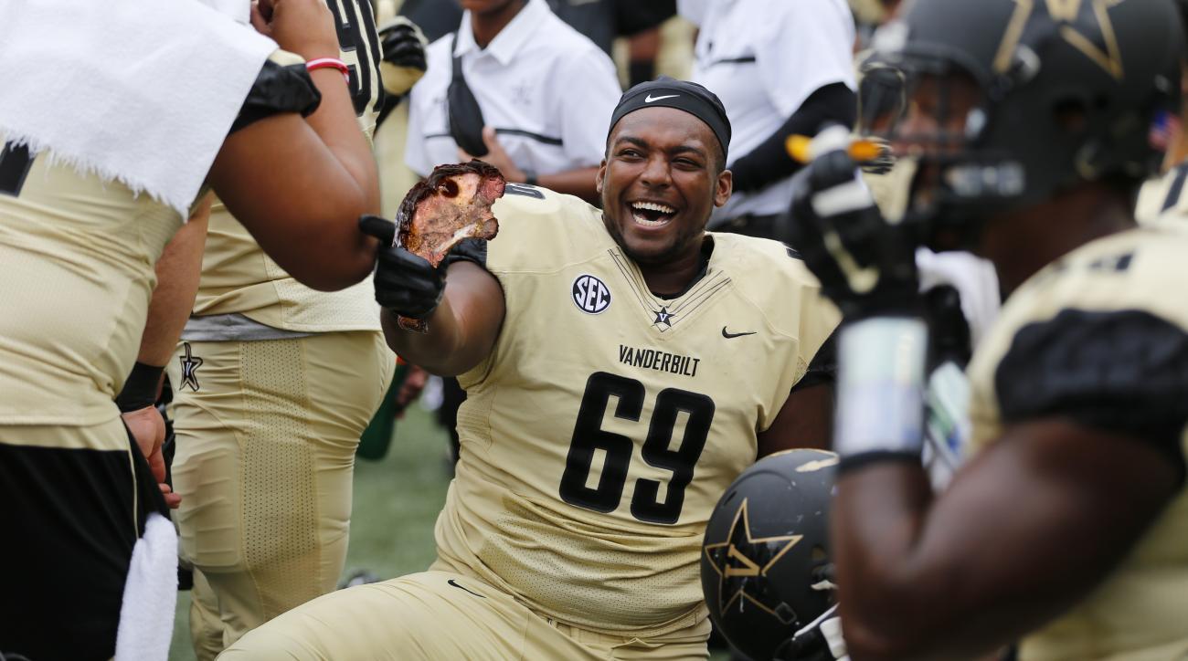 Vanderbilt football: Adam Butler rib eating contest story