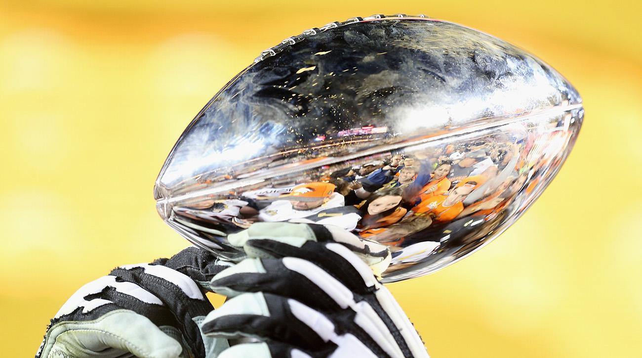 super bowl 51 trophy