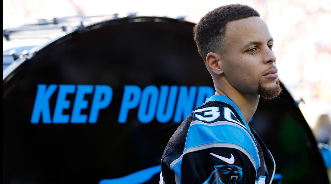 Stephen Curry: Panthers fan in Raiders jersey after bet