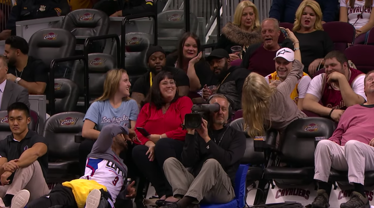 chris paul takes selfie with fans