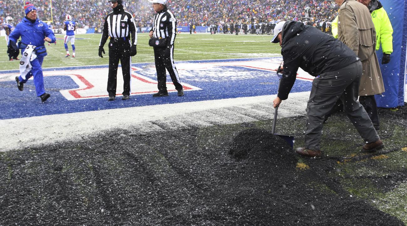 Bills-Steelers delay: Snow plows pile up rubber pellets