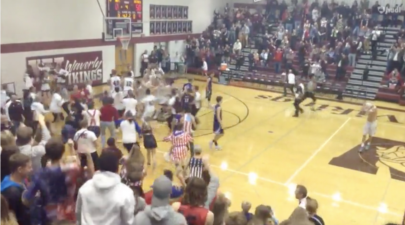 Nebraska high school basketball buzzer-beater (video)