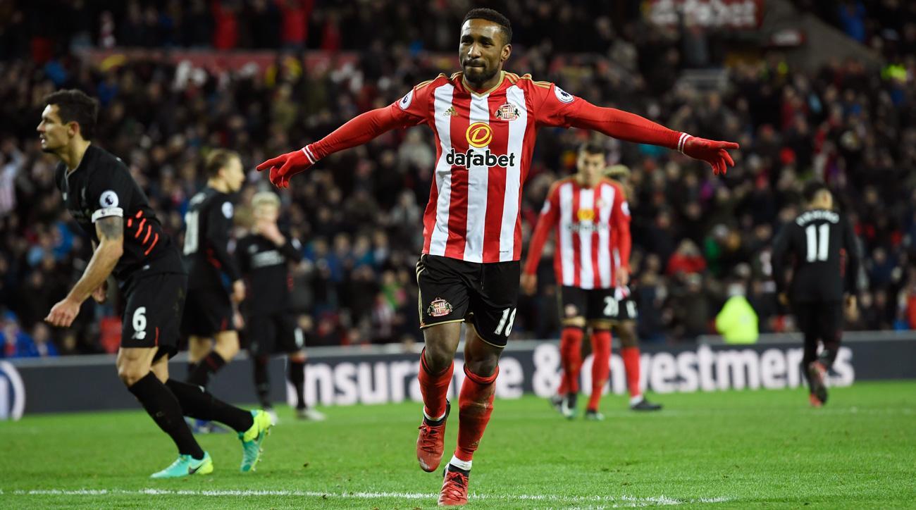 Jermain Defoe scores for Sunderland vs. Liverpool