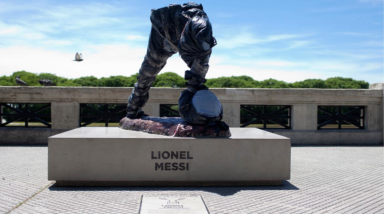 Vandals cut the head, body and arms off a Messi statue in Argentina