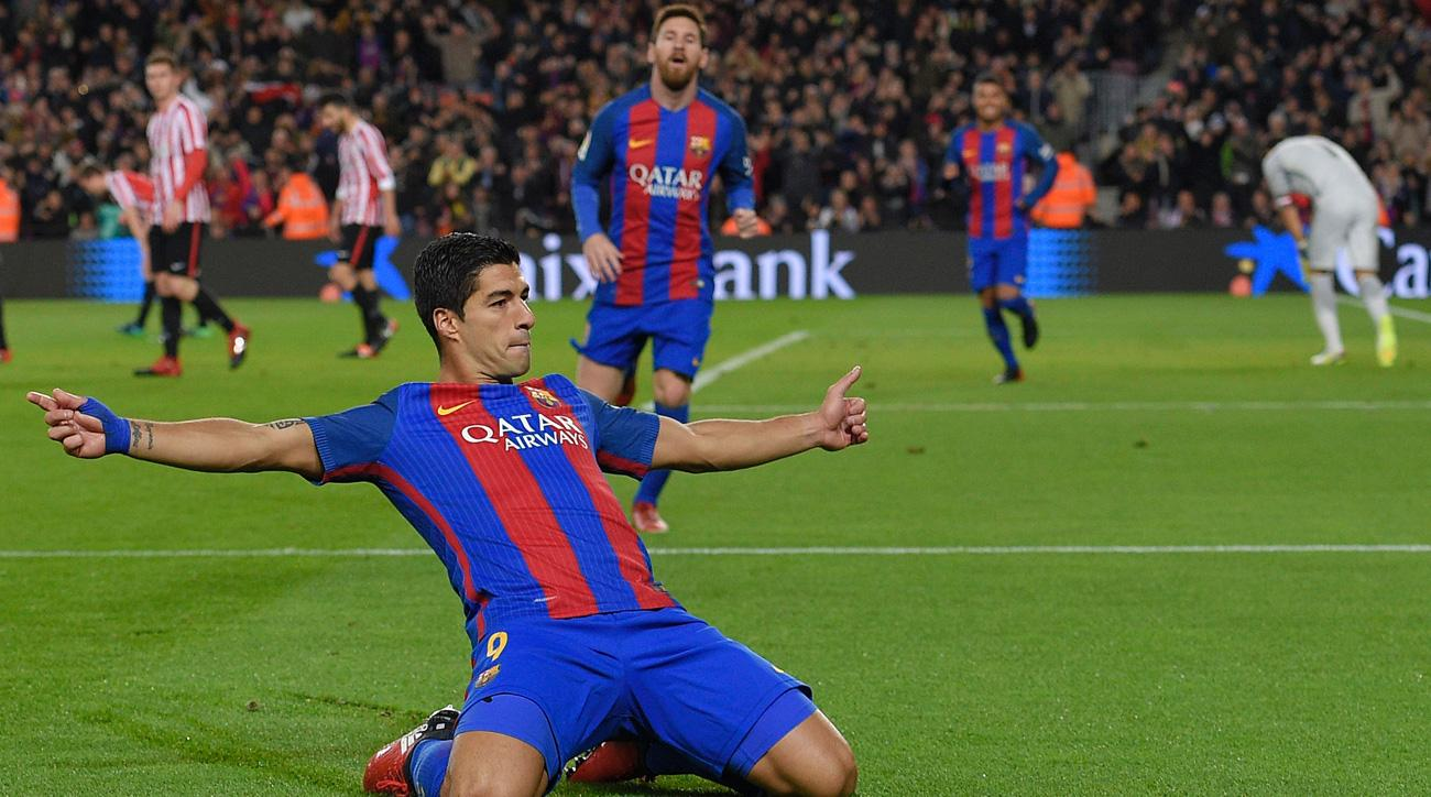 Luis Suarez scores his 100th goal for Barcelona