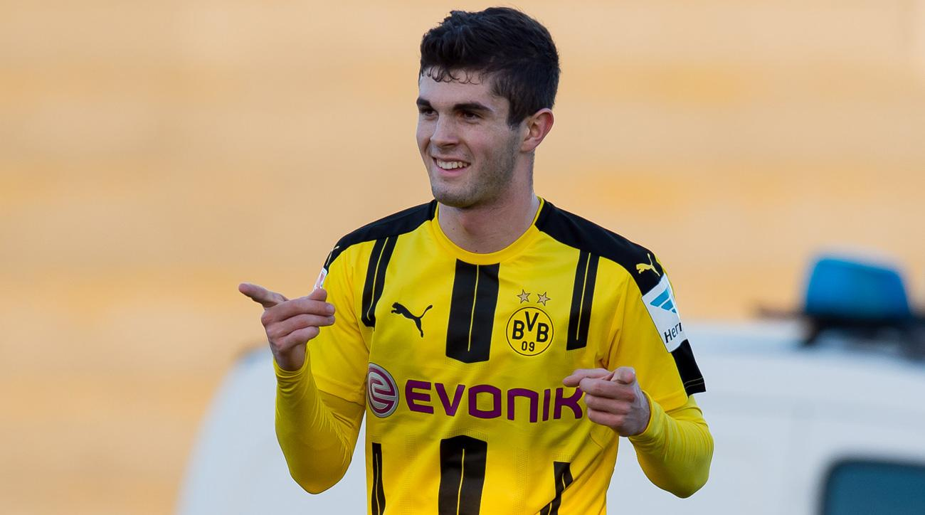 Christian Pulisic scores for Borussia Dortmund in a friendly