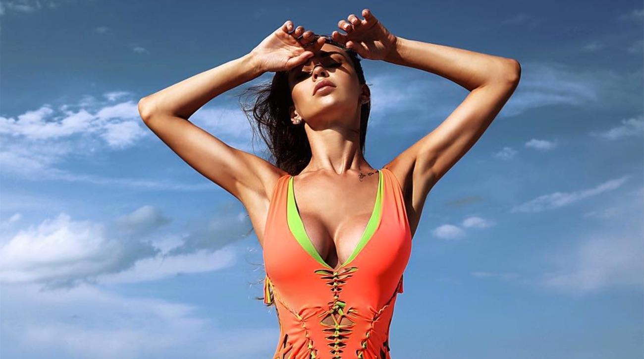 Cleavage Lily Ermak nude (75 photo), Topless, Sideboobs, Selfie, swimsuit 2017