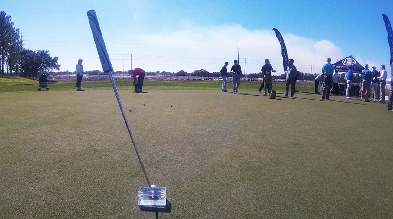 The Ice Block putter stands by itself in order for the player to get the best alignment possible before putting.