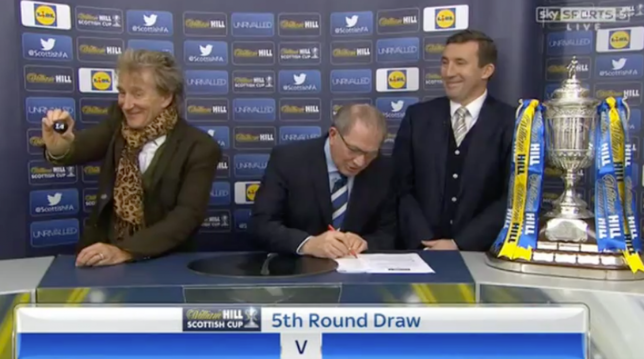 Rod Stewart's bizarre Scottish Cup draw (video)