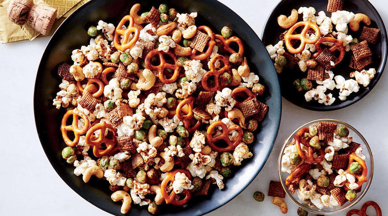 Sesame-Soy Nut and Pretzel Mix