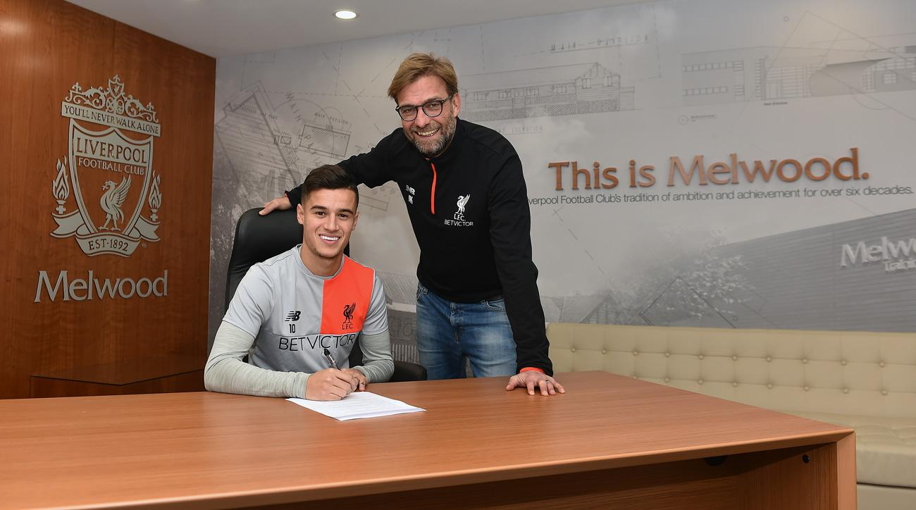 Philippe Coutinho signs a new deal with Liverpool