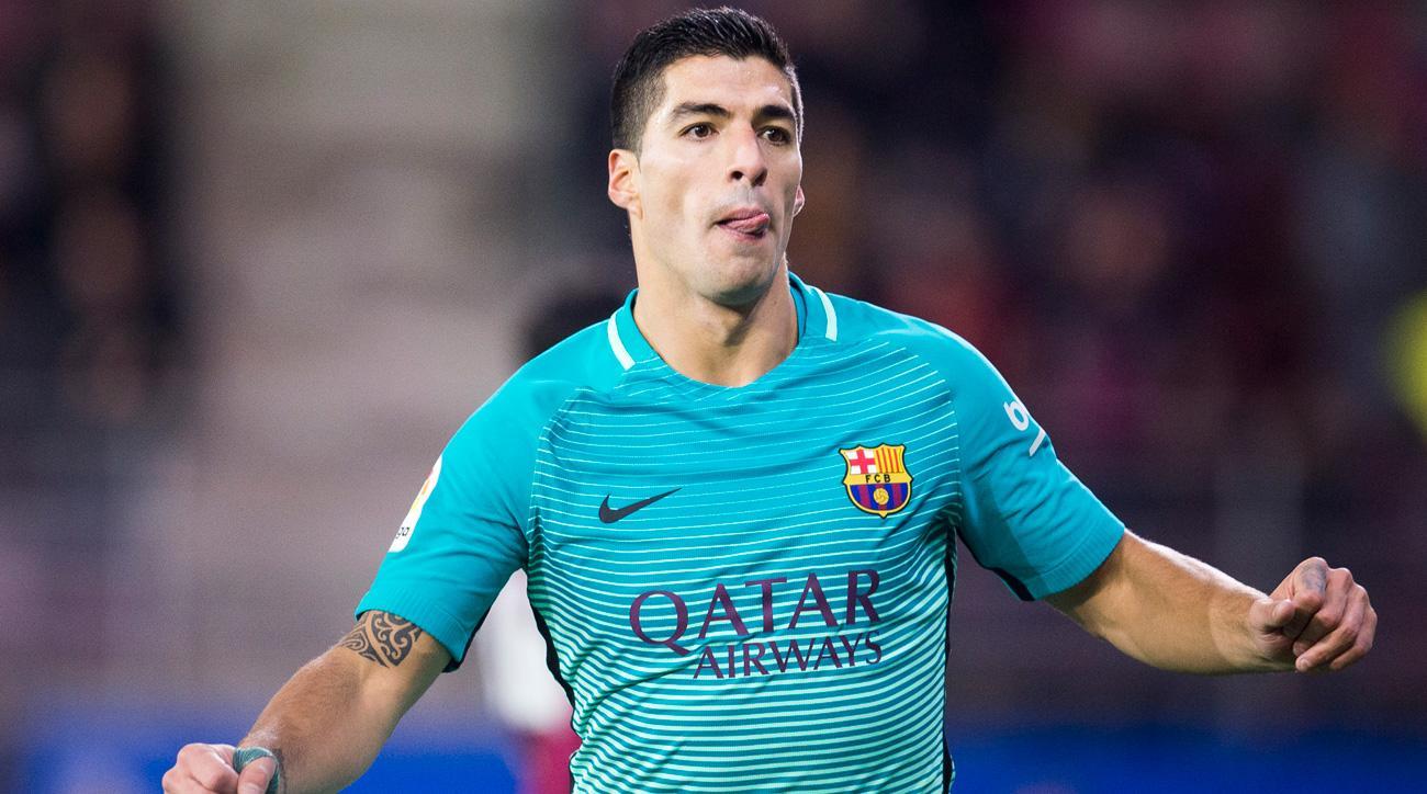 Luis Suarez scores for Barcelona vs. Atletico madrid in the Copa del Rey