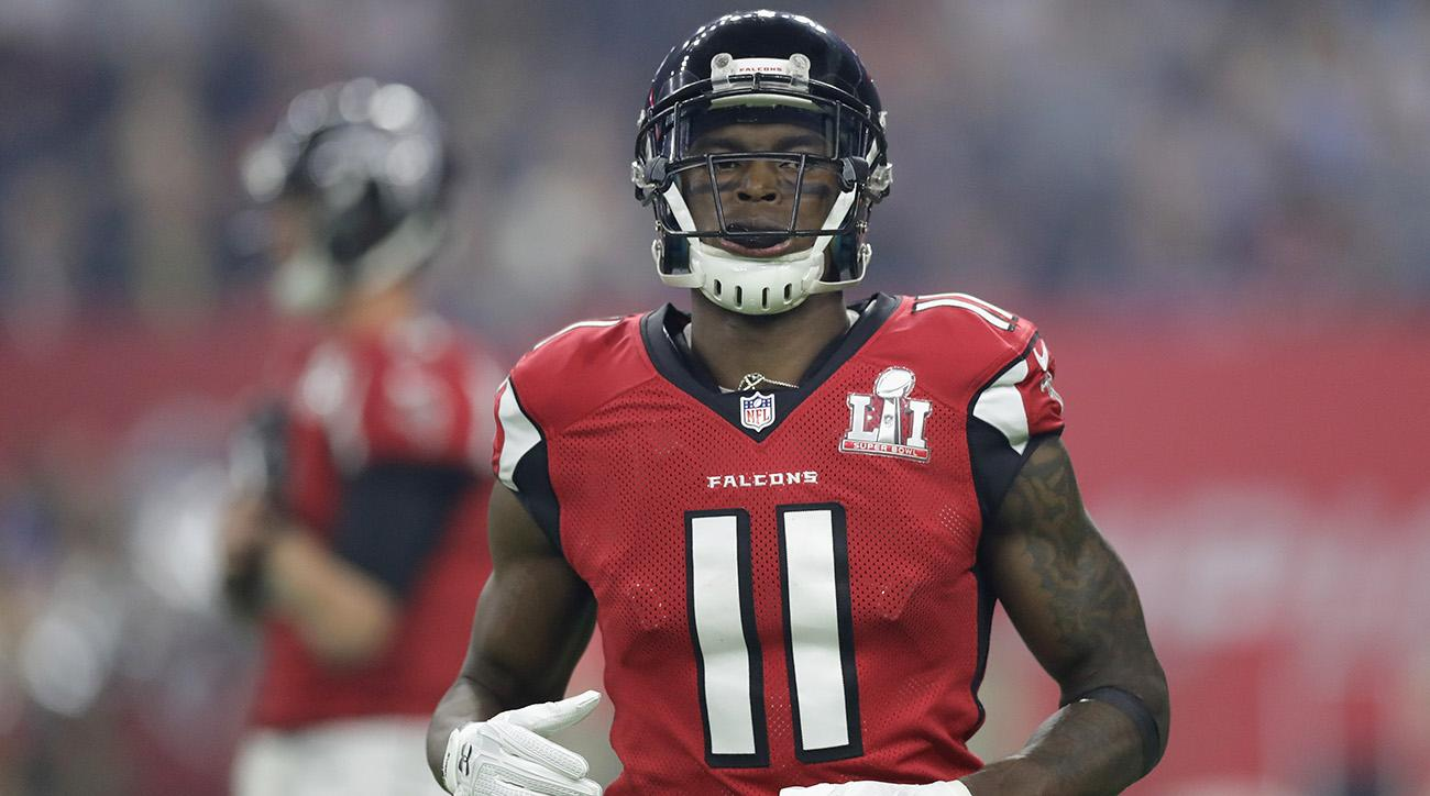 Julio Jones made an incredible catch in the Super Bowl for the Atlanta Falcons.