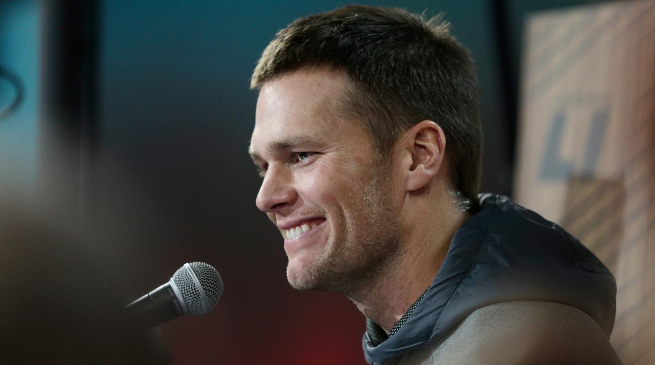 Super Bowl: Tom Brady mom photo