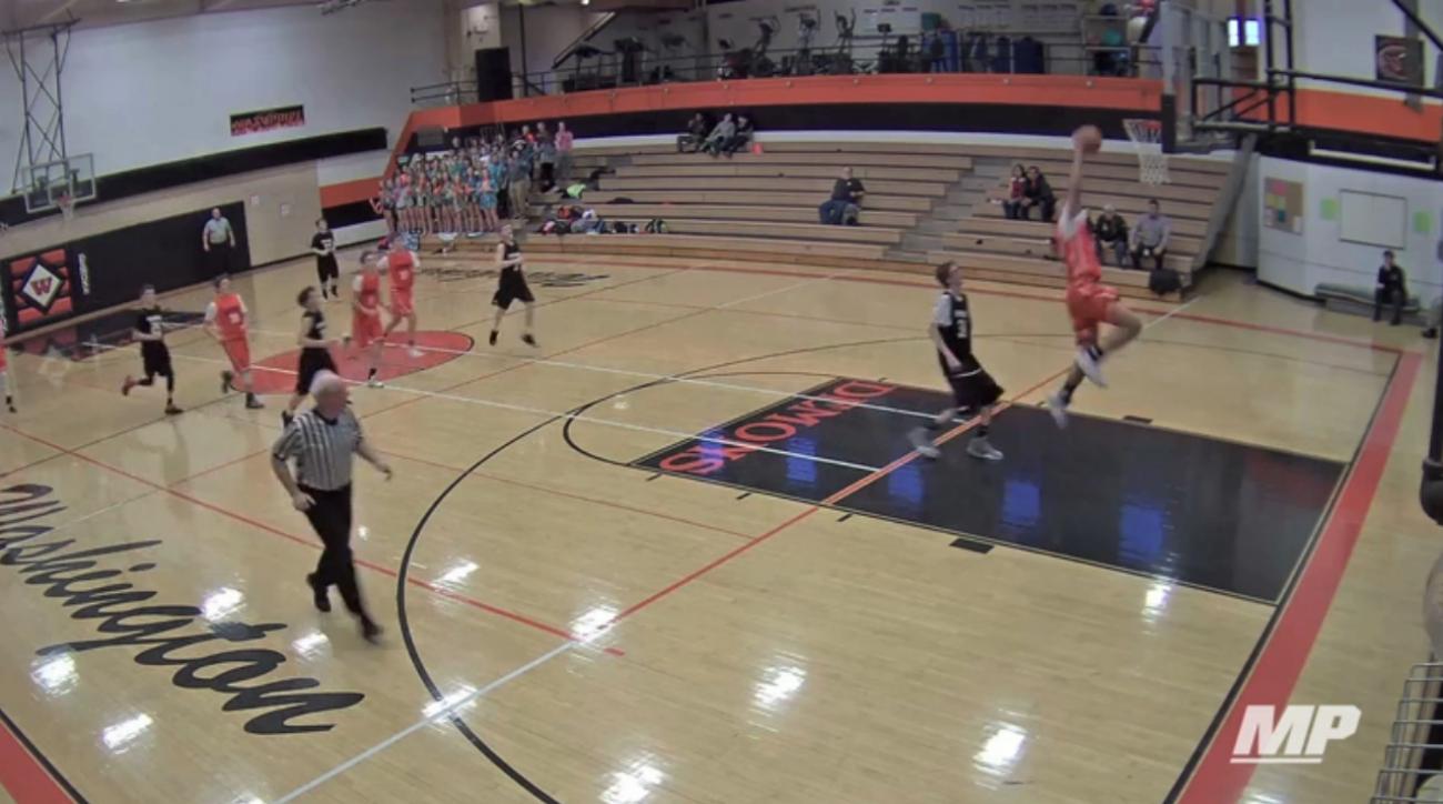 One-armed eighth grader Trashaun Willis dunks (video)